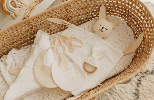 Pachete cadou jucarie textila handmade paturica muselina jucarie dentitie2